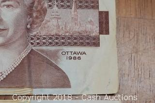 Pair of 1986 Canadian Paper $2 Notes