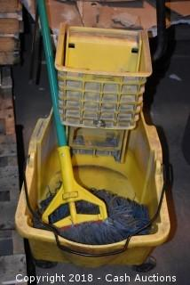 Mop w/ Brute Bucket and Wringer