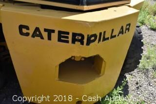 Caterpillar V-150 Forklift