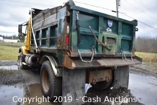 2003 Volvo Single Axle Dump (358)