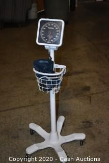 Welch Allyn Analog Sphygmomanometer - H